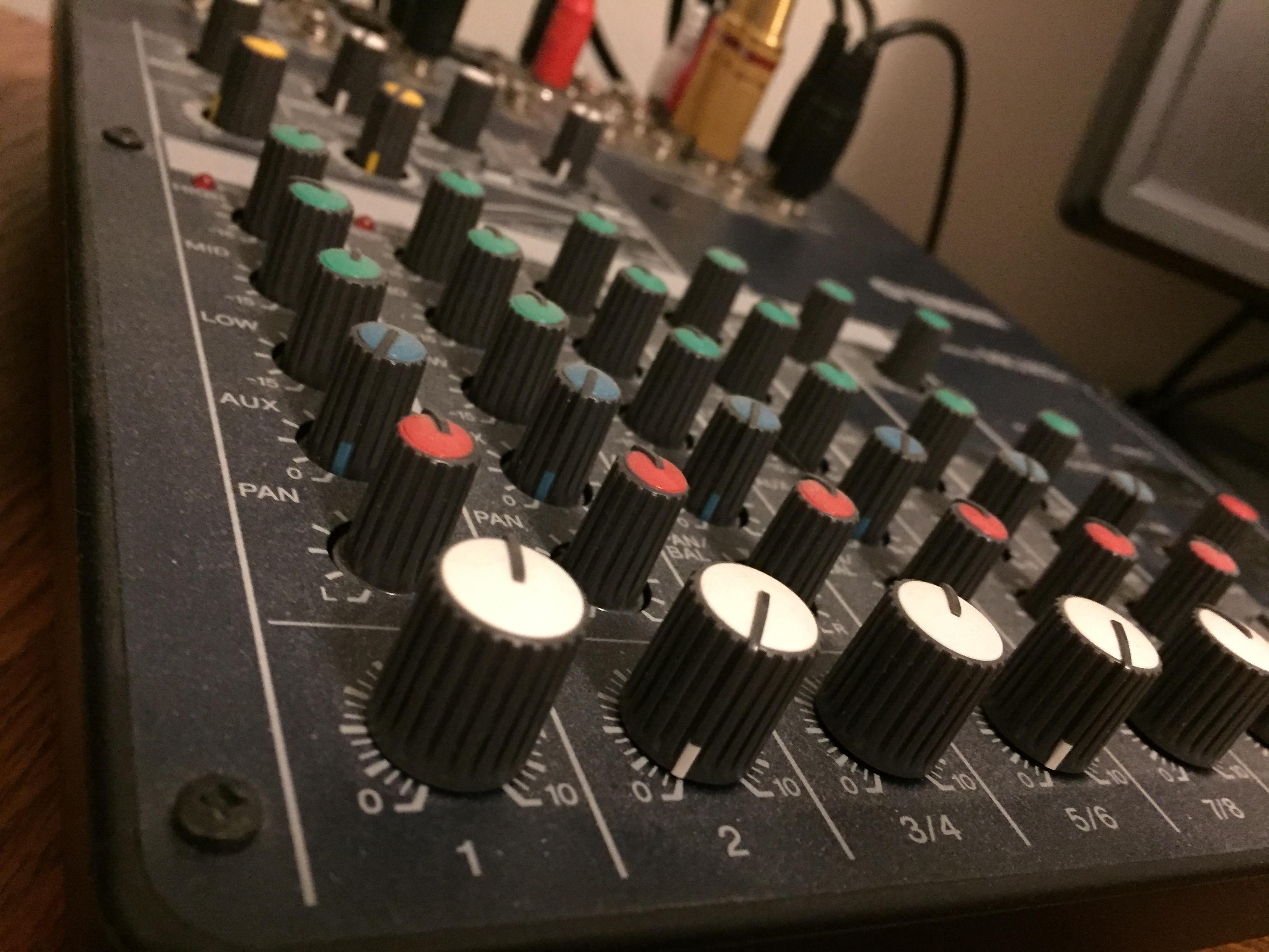 Yamaha MG102c mixing console