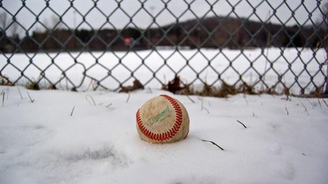 baseball-snow